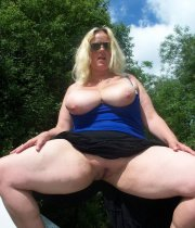 BBW posing outdoors