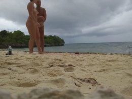 Amateur Couple Enjoys An Amazing Session At The Beach