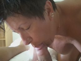 Old amateur wife can still make her hubby erect