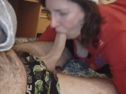 Mature wife sucking a dick on a snowy day