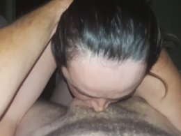 Amateur girl giving a professional blowjob