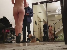 Nude Flashing to Delivery Guy