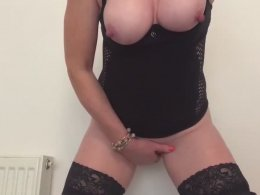 Girl with big tits likes to finger her pussy