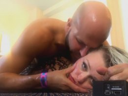Bald guy gets pleased by a hot blonde babe