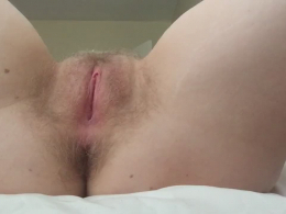 Solo ex wife likes to stretch her cunt