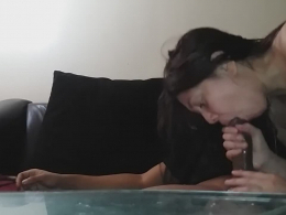 Blindfolded boyfriend gets pleasured orally by his lusty sweetheart