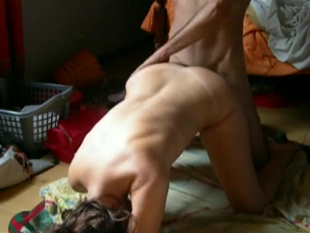 Amateurs do doggystyle and full wife orgasm