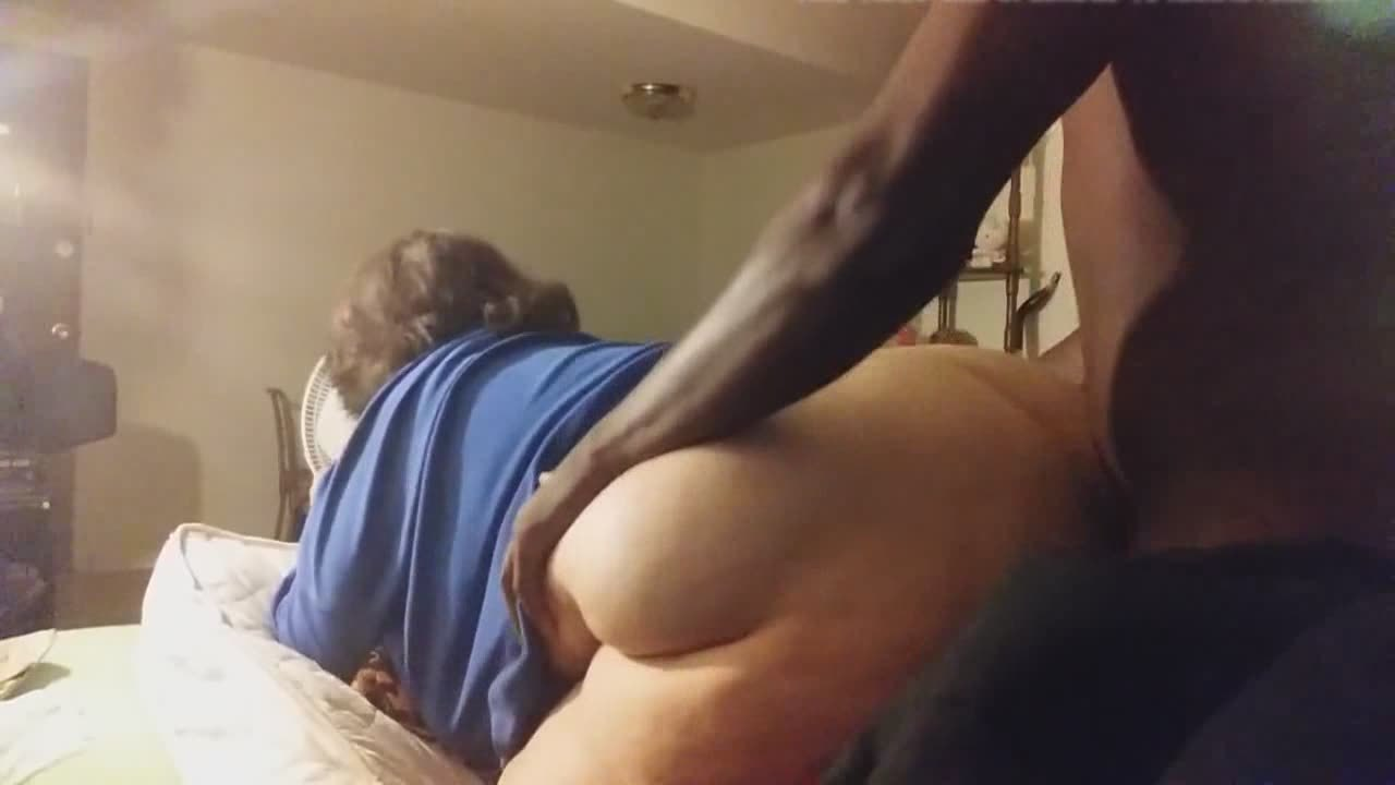Granny ass looks good on the massive black cock