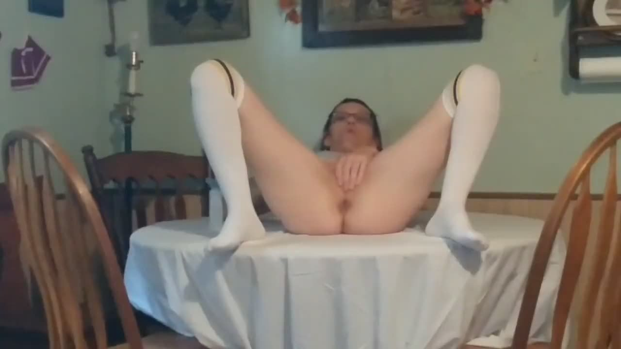 Kitchen table also can be used for cunny masturbating