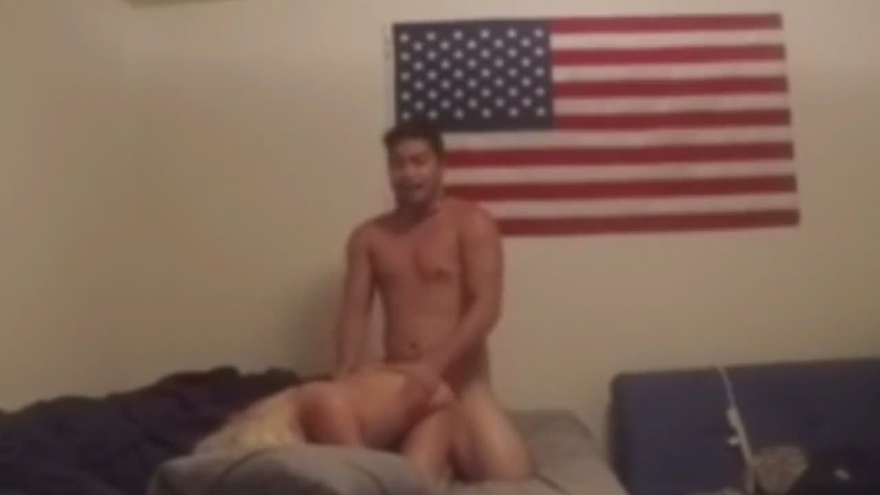 Asian stud banging his blonde babe until he creampied her