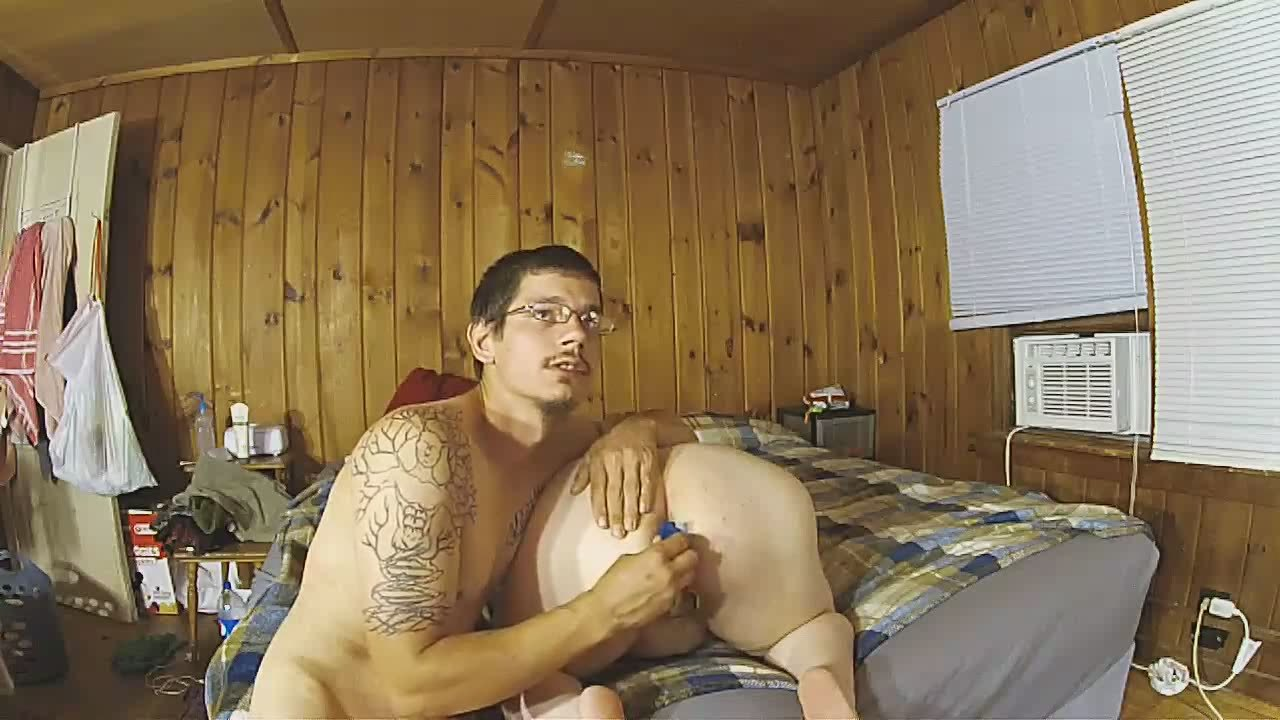 Skinny dude enjoys drilling his BBW cunny