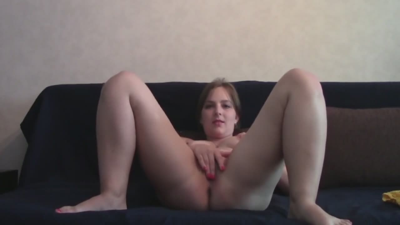 Chubby girl masturbating in front of a web cam