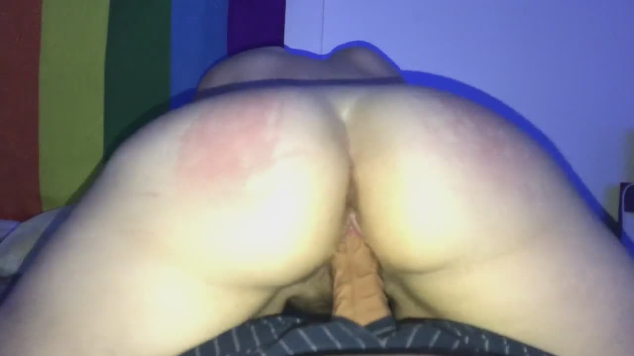 Spanking my girl wile she rides my dick