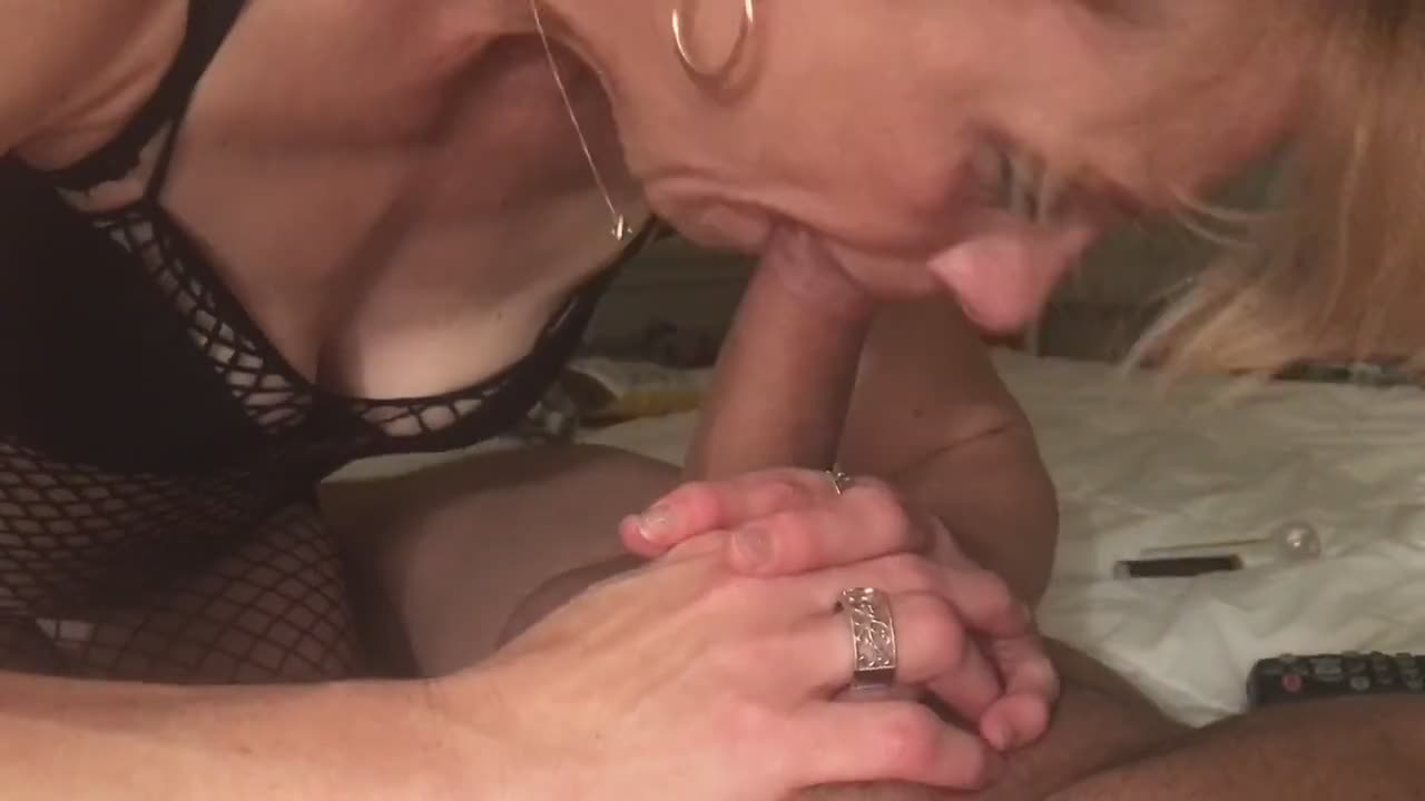 Mature Deep Throat Blow Job
