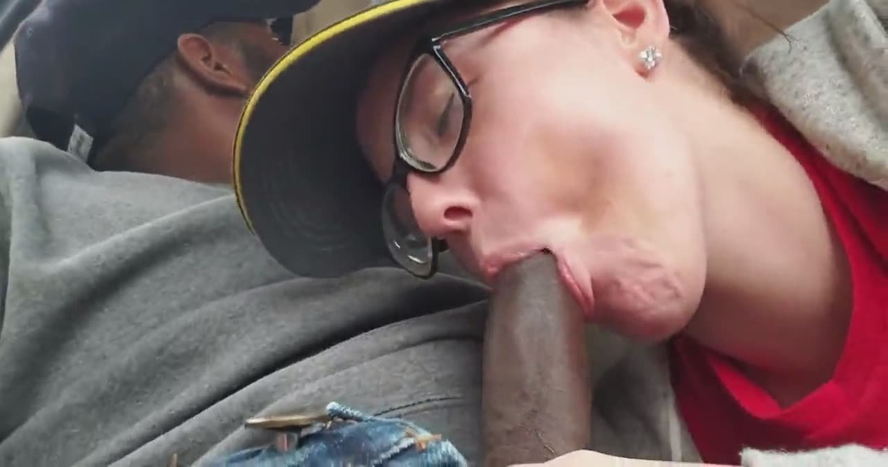 Blowjob in mcdonald